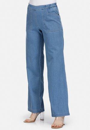 GUMMIBUND - Flared Jeans - blau