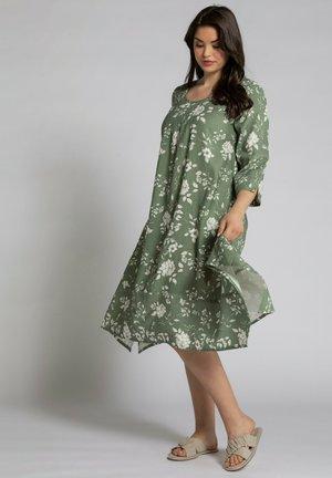 Day dress - teichgrün