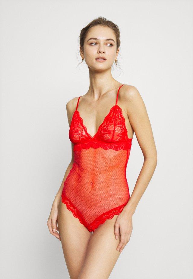 MARILYN - Body - fiery red