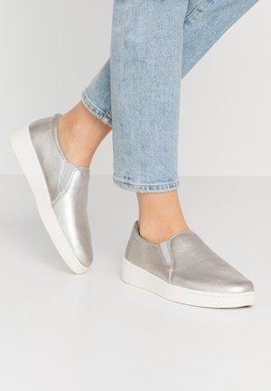 TEYA GORE  - Slip-ons - silver
