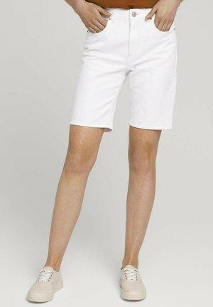 Shorts - whisper white