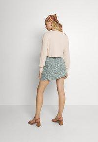 Vero Moda - VMLIVA MINI WRAP SKIRT - Mini skirt - laurel wreath/liva - 2