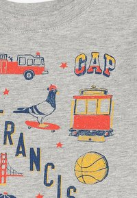 GAP - TODDLER BOY CITY - T-shirt z nadrukiem - light heather grey - 3