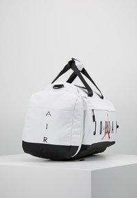 Jordan - AIR DUFFLE - Sportovní taška - white - 3