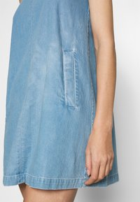 Neuw - KATE DRESS - Denim dress - vintage blue - 5
