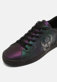 Ed Hardy - LUCKY LOW TOP  - Trainers - iridescent/gunmetal - 4