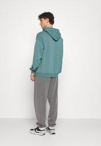 BDG Urban Outfitters - SKATE HOODIE UNISEX - Felpa - teal - 2