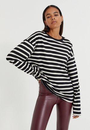 Long sleeved top - black, white