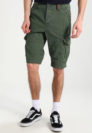 CORE LITE - Shorts - pine