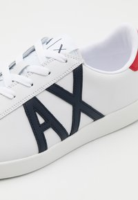 Armani Exchange - Tenisky - white/red/blue - 5