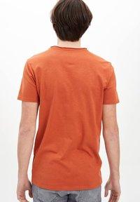 DeFacto - T-shirt basique - orange - 1