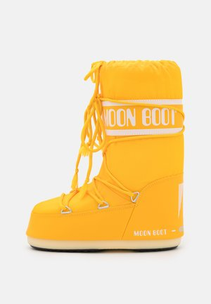 Winter boots - yellow