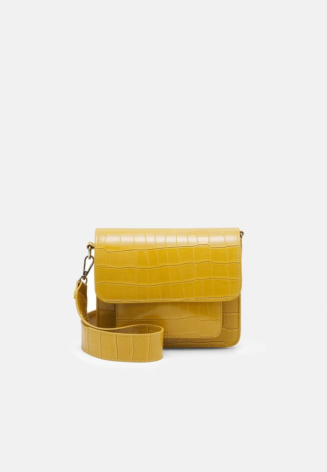 CAYMAN POCKET - Across body bag - sunkissed yellow