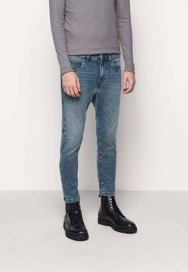 WEL - Jeans Tapered Fit - light blue