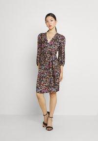 Soaked in Luxury - KIMAYA WRAP DRESS - Day dress - multi-coloured - 0