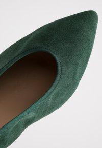PERLATO - Classic heels - bosco - 2