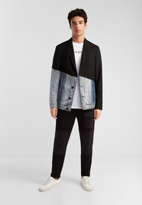 Desigual - AME AARON - Blazer jacket - black - 1