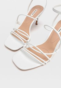 Stradivarius - Chaussures de mariée - white - 4