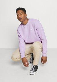 Nike Sportswear - CLUB CREW - Felpa - violet frost - 3