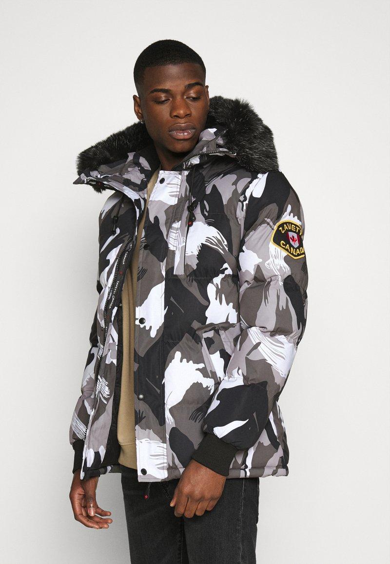 Alessandro Zavetti - OSHAWA PADDED PARKA - Winter coat - camo