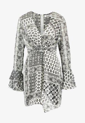 FLORAL PRINT DRAPE DETAIL MINI DRESS - Day dress - white