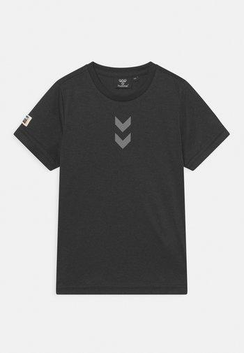 HMLTANG S/S - Print T-shirt - black