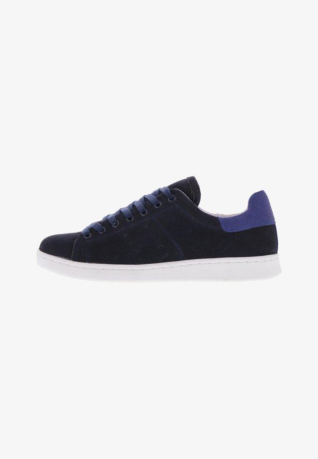 ANNA  - Sneakers laag - blau
