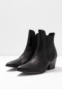 Vero Moda - VMJESS BOOT - Ankle boots - black - 4