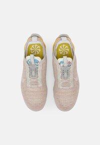 Nike Sportswear - AIR VAPORMAX 2020 FK - Trainers - light bone/white grey fog sail - 3