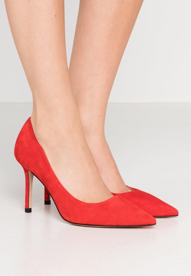 INES  - Hoge hakken - bright red