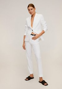 Mango - BOREAL6 - Suit trousers - weiß - 1