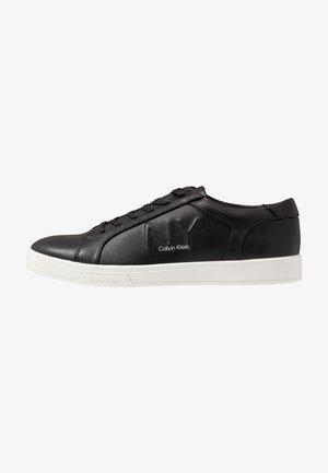 BOONE - Sneakersy niskie - black