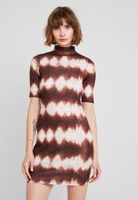 Even&Odd - Denní šaty - beige/brown - 0