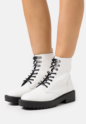 MAGIC LACE UP BOOT - Botines con cordones - white