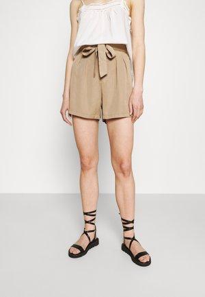 VMMIA LOOSE SUMMER - Shorts - silver mink