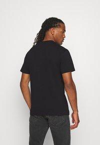 Tommy Jeans - LOGO TEE - T-shirts print - black - 2