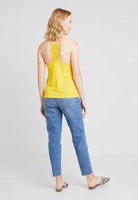 Anna Field - Top - spectra yellow - 2