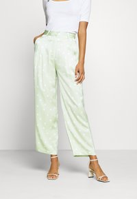 EDITED - LUNA TROUSERS - Pantalon classique - foam green - 0