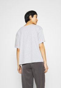 CALANDO - Basic T-shirt - mottled light grey - 2