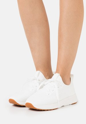 LOLETA  - Trainers - white