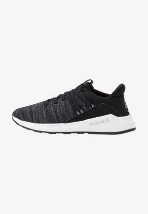 EVER ROAD DMX 2.0 - Walking trainers - black/grey/shadow/white