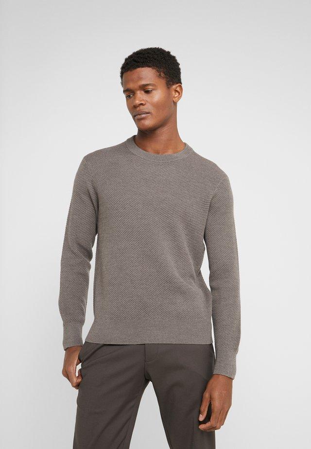 TEXTURE CREW - Pullover - acorn