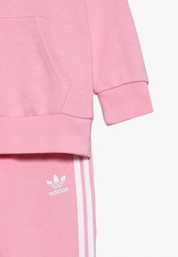 adidas Originals - TREFOIL HOODIE SET - Tracksuit - light pink/white - 4