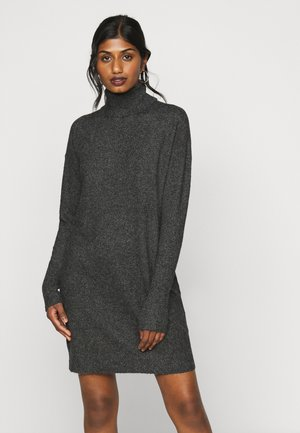 VMBRILLIANT ROLLNECK DRESS - Pletené šaty - black melange