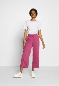 Nike Sportswear - PANT - Joggebukse - mulberry rose - 1