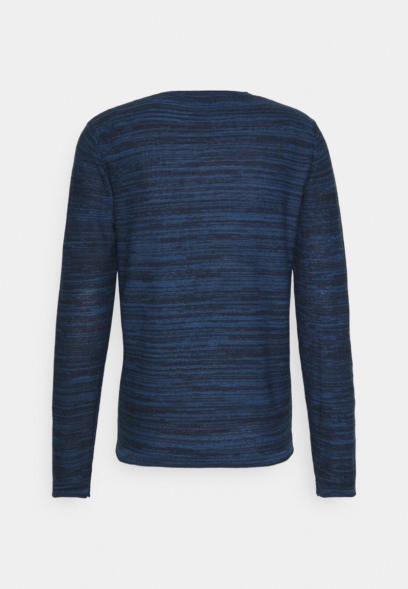Jack & Jones JWHCALLA CREW NECK - Strickpullover - ensign blue/blau FLwaO6