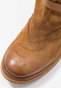 A.S.98 - Laarzen met hoge hak - cognac - 2