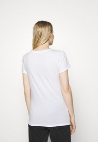 GAP - CREW - Print T-shirt - white - 2