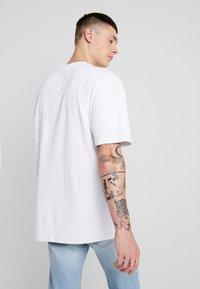 Urban Classics - Basic T-shirt - white - 2