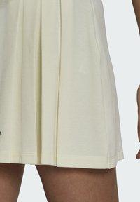 adidas Originals - TENNIS LUXE SKIRT ORIGINALS - Minijupe - off white - 4